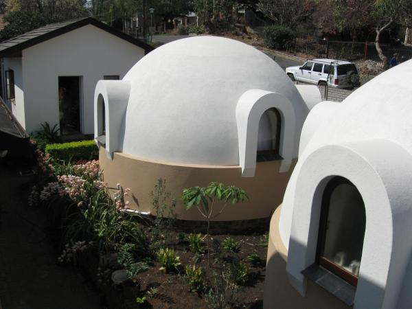 Dome Home Self-Catering Нелспрёйт