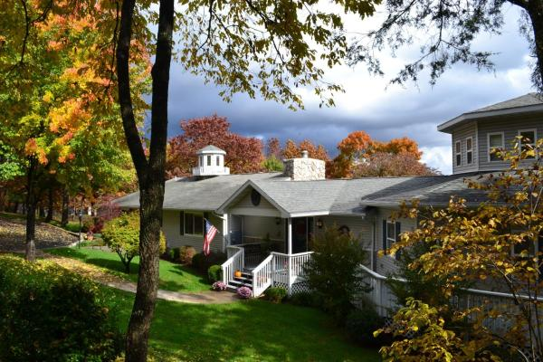 Anchor Inn on the Lake Bed and Breakfast Branson West
