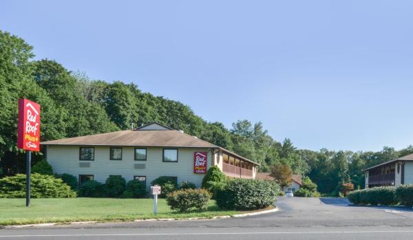 Red Roof Inn PLUS+ & Suites Guilford Guilford