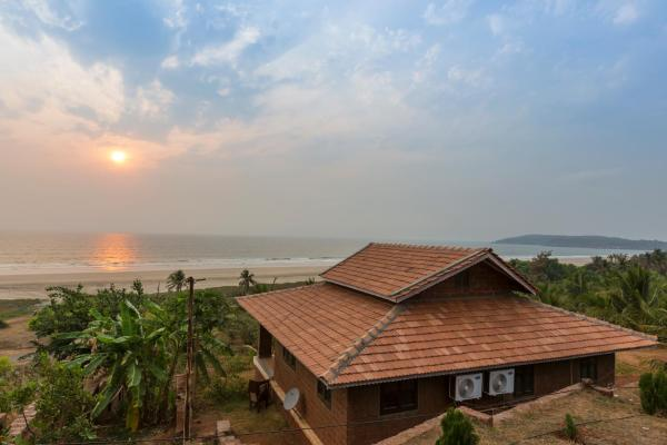 Beachfront Villas Ganpatipule