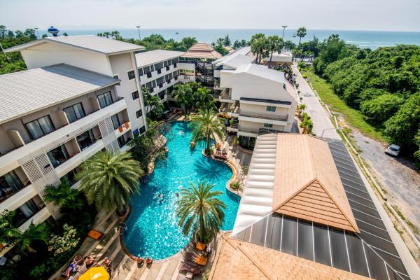 Sea Breeze Jomtien Resort 仲天海滩