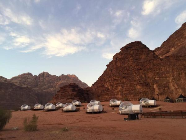 Wadi Rum Night Luxury Camp Вади-Рам