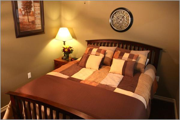 Eagles Den Suites at Cotulla