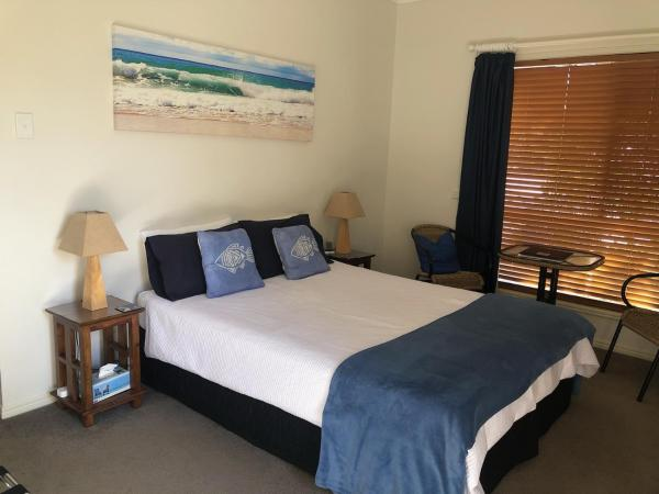 Beachhouse Bed and Breakfast Redcliffe