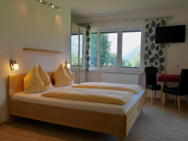 Haus Hannelore - Bed and Breakfast