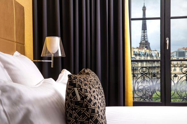 First Hotel Paris Tour Eiffel Paris