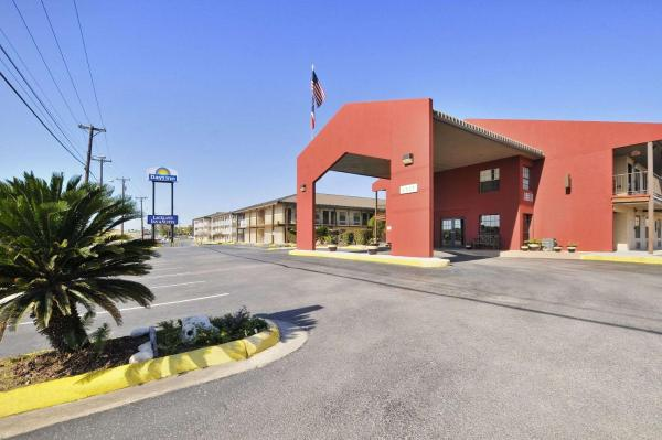 Days Inn San Antonio Lackland AFB