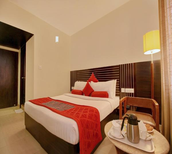 OYO Rooms Majestic KG Road Gandhi nagar