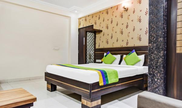 OYO Rooms Sargam Cinemas Bhopal