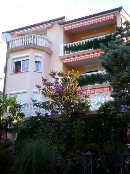 Apartments Boras Selce