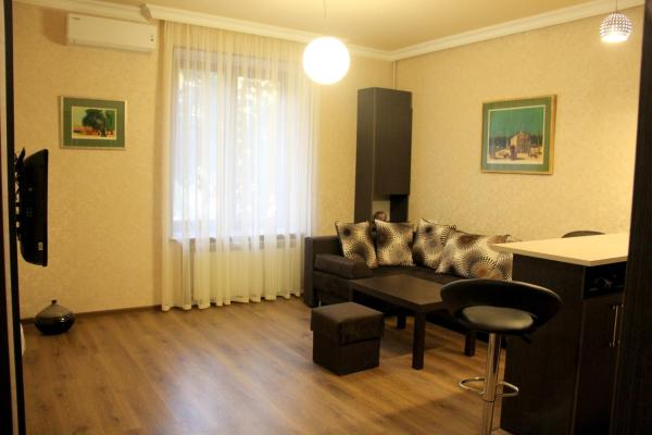 Stay In Heart Of Yerevan