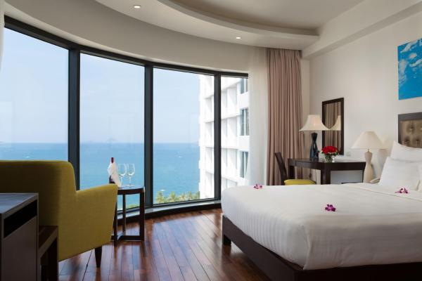 LegendSea Hotel Нячанг