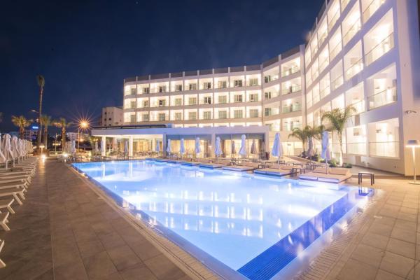 Evalena Beach Hotel Протарас
