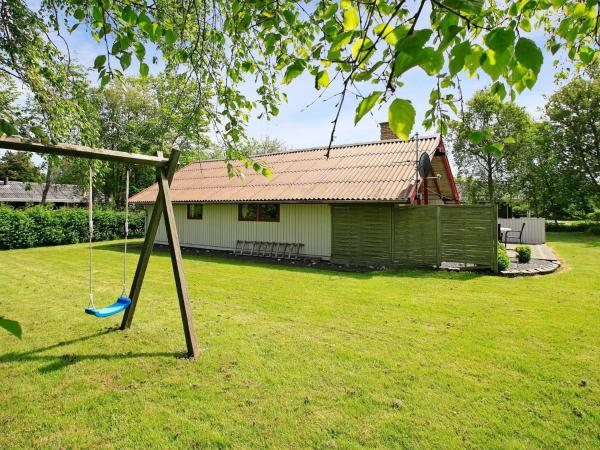 Two-Bedroom Holiday home in Hemmet 2