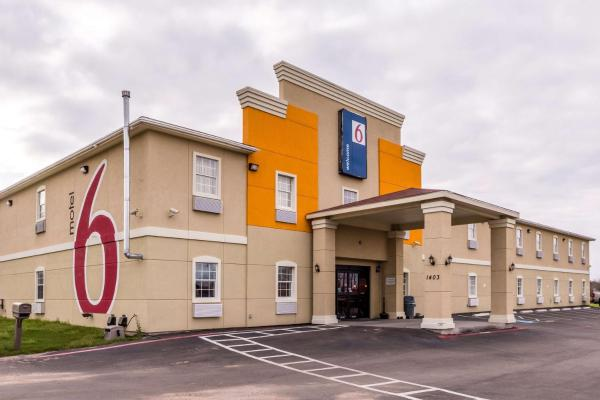 Motel 6 Jourdanton Jourdanton
