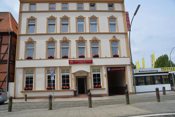 Hotels Near Rathaus Harburg Prices Easy Booking