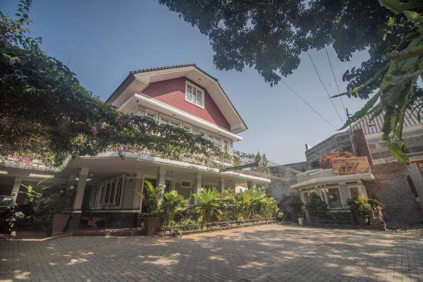 Front One Boutique Baluran Malang 2 Malang East Java Indonesia 17 Guest Reviews Book Hotel Front One Boutique Baluran Malang 2