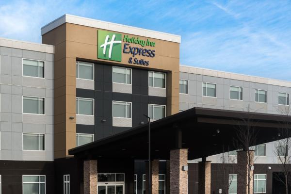 Holiday Inn Express & Suites - West Edmonton-Mall Area