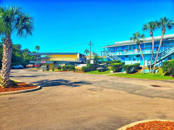 The Port Hotel and Marina Crystal River