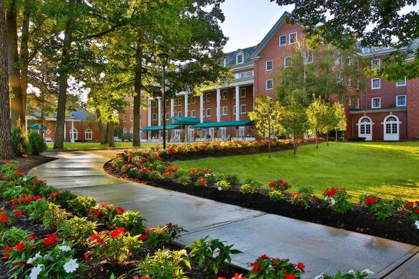 Gideon Putnam Resort & Spa Saratoga Springs