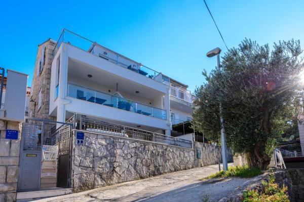 Decir Contratar coreano  Apartments Niko 3* ➜ Cavtat, Cavtat Coast, Croatia (3 guest reviews). Book  hotel Apartments Niko 3*