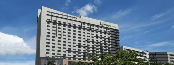 Holiday Inn & Suites Makati Metro Manila