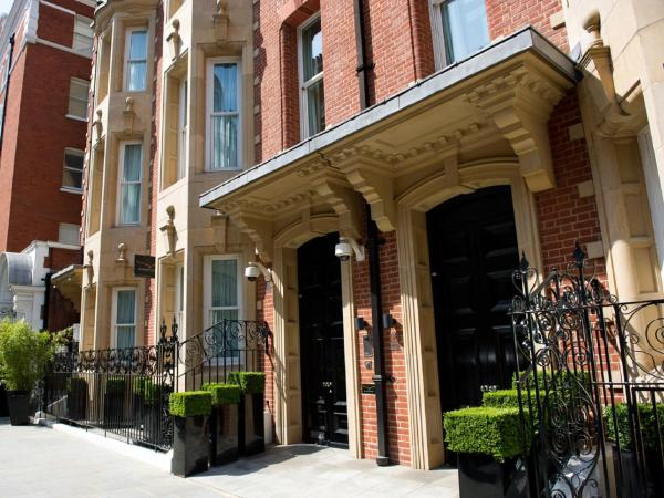 Cheval Phoenix House at Sloane Square