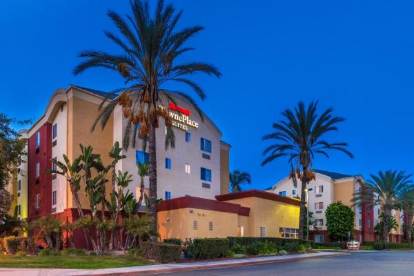 TownePlace Suites Anaheim Maingate Near Angel Stadium Анахайм