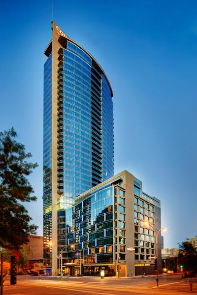 Courtyard by Marriott Montreal Downtown Монреаль