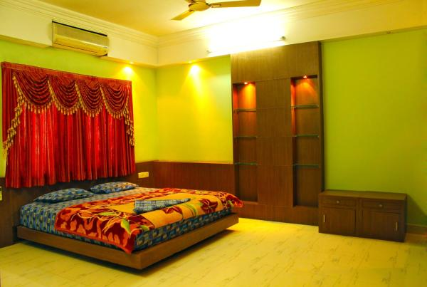 Vcare Service Apartment - Road No. 10 Banjara Hills