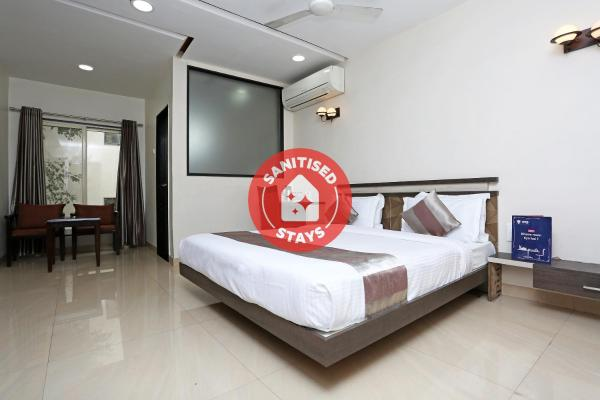 OYO 4155 Hotel The Sudesh