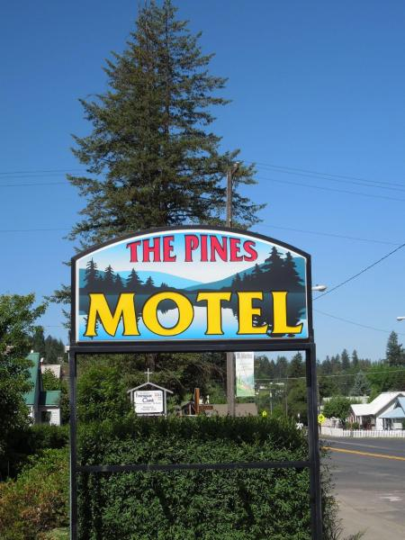The Pines Motel Saint Maries