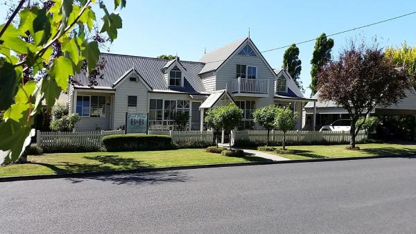 Creek Cottage Bed And Breakfast Traralgon
