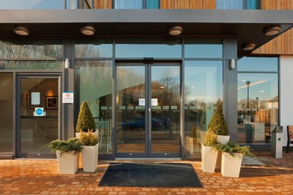 Holiday Inn Express Cambridge Duxford M11 Jct 10 Duxford