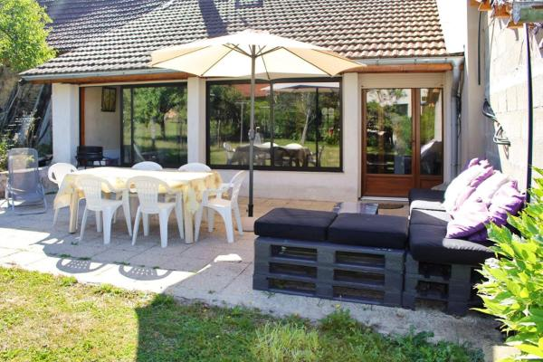 Holiday Home Grande rue Cleyzieu