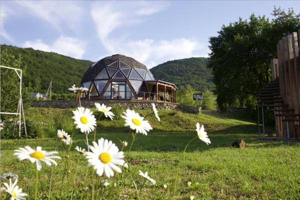 First spherical Guest-house Vysokoye
